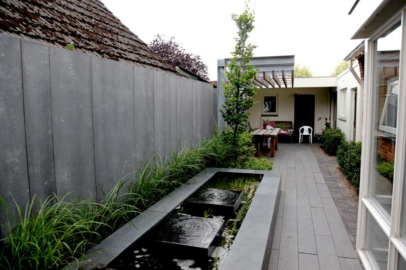Design pergola in smalle strakke tuin stoss hoveniers